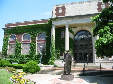 Pogue_library.JPG